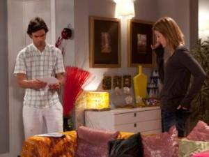 Cláudia conta a Vasco da foto tirada por Andreia